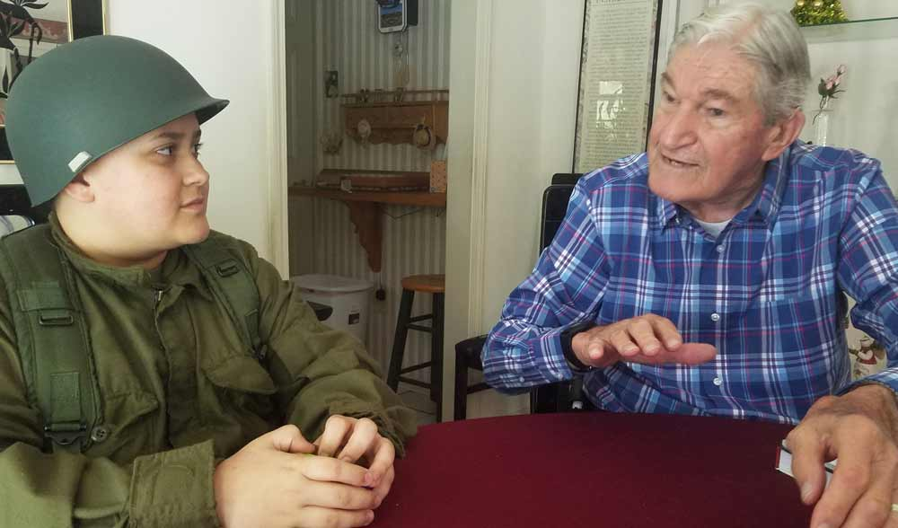D-Day Veteran has visit from Mississippi Fan