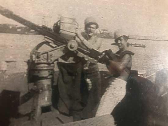 wwwii ship gunners